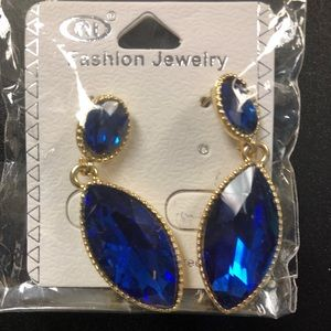 NWT Simulated Sapphire Gold Drop Earrings